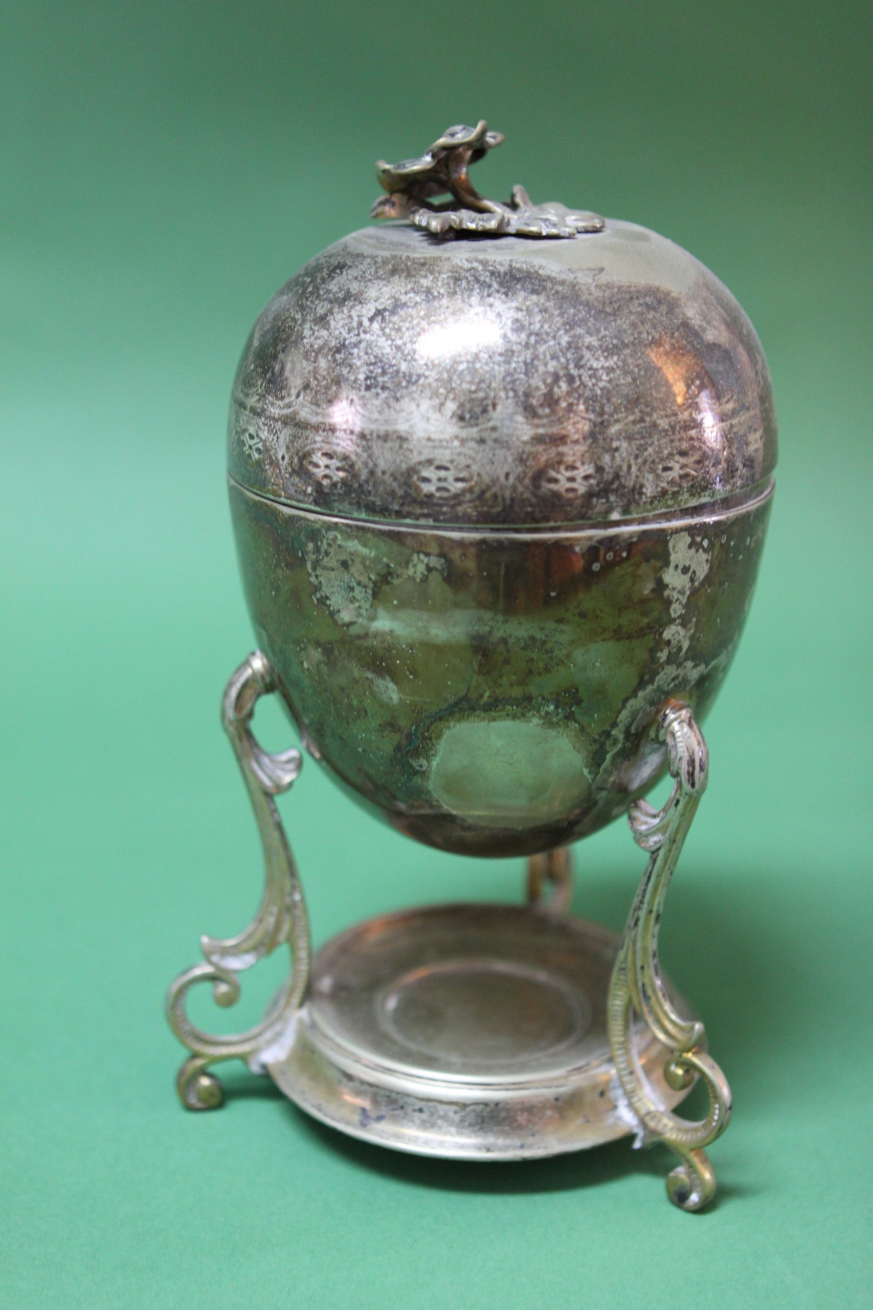 TALL SILVER ETROG CONTAINER