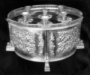 MASSIVE STUNNING SILVER SEDER EQUIPAGE