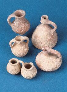 art_set-of-terracotta-vessels